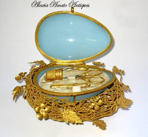 Large Palais Royal Opaline Glass Etui
