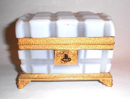 Charles X Bulle de Savon Opaline Glass Casket