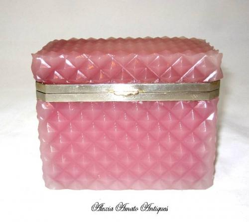French 19th Century Pink Opaline Casket