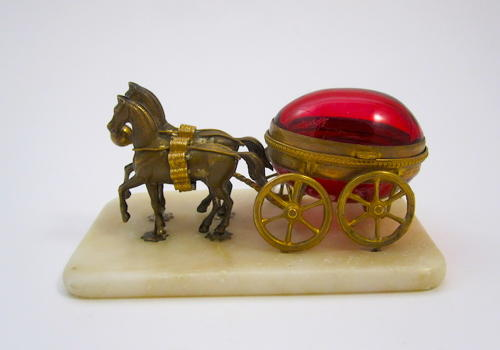 Palais Royal Thimble Holder Egg Carriage