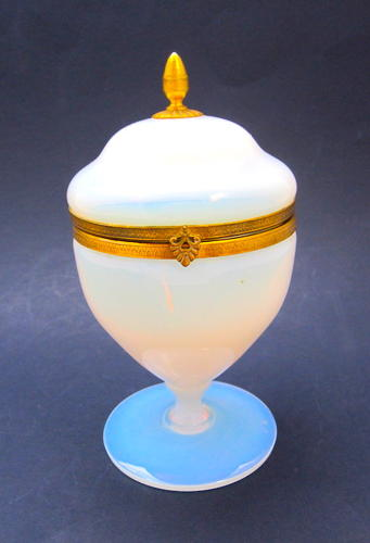 Antique French Bulle de Savon Opaline Glass Box