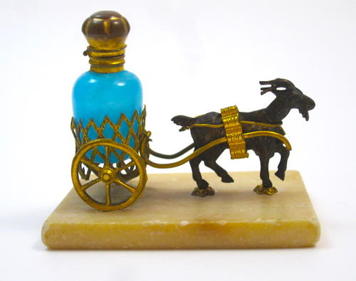 Antique Palais Royal Perfume Bottle Set