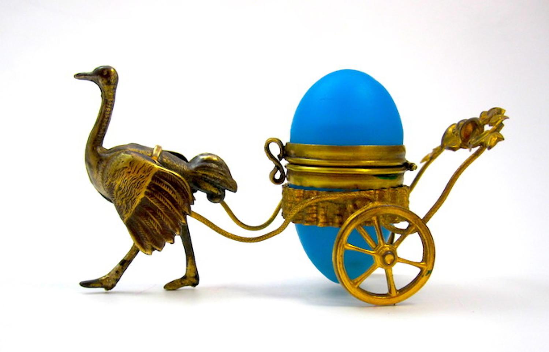 Unusual Antique Palais Royal Ostrich Perfume Bottle