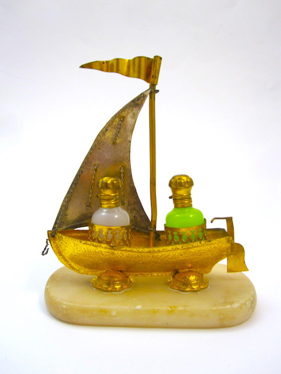 Palais Royal Opaline Glass 'Boat' Perfume Set