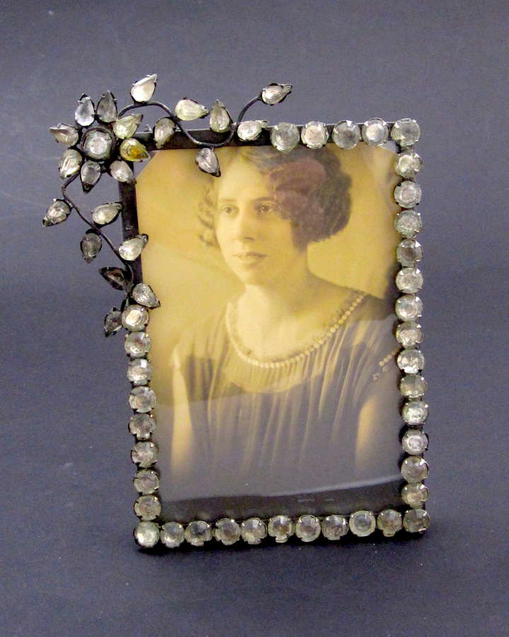 AntiqueFrenchPaste Photo Frame with Beautiful Flower Motif.